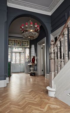 How interior stylist Marianne Cotterill turned her family home into a business Victorian entrance hall with dark walls and parquet floor. Edwardian Hallway, Edwardian Haus, Modern Victorian, Edwardian Staircase, Victorian Stairs, Victorian Front Doors, Victorian Porch, Victorian Terrace House, Victorian Home Decor