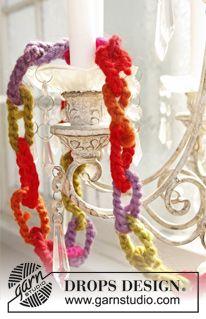 "Crochet DROPS garland for Christmas in ""Eskimo"". ~ DROPS Design"