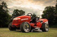 Honda stuffed a 1000cc engine from a Honda VTR Firestorm motorcycle into the custom chromo...