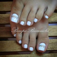 Wedding Nails-A Guide To The Perfect Manicure – NaiLovely Pretty Toe Nails, Cute Toe Nails, My Nails, Toe Nail Color, Toe Nail Art, Nail Colors, Feet Nail Design, Toe Nail Designs, Wedding Toe Nails