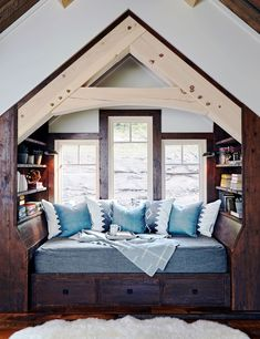 Home Look, Winter Interior Design, Rustic House, Interior Design, Winter Lodge, Home, Cozy Nook, Cozy House, Home Decor