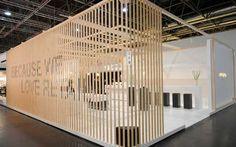 El encanto de la madera en el diseño de stands     DECOFILIA.com