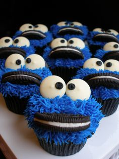 Cookie Monster Cupcakes...