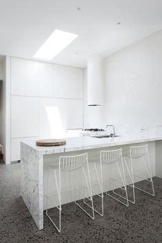 Prahran Residence This kitchen combines 2 of my favourite materials- marble countertop and concrete floors. Check out the open air bathroom. Modern Kitchen Design, Interior Design Kitchen, Kitchen Designs, Design Bathroom, Interior Modern, Bathroom Interior, Interior Ideas, Kitchen Dining, Kitchen Decor