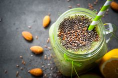 Chia Seeds Nutrition Facts and Health Benefits Chia Vs Flax Seed, Healthy Tips, Healthy Eating, Healthy Pregnancy Food, Fertility Smoothie, Fertility Diet, Smoothie Vert, Recovery Food, Pregnant Diet