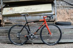 I've followed Ewen Gellie of Gellie Custom Bicycles for years, vicariously through the people that own and love them.  Track bikes, Mountain...