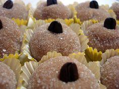 Brigadeiro de Capputino - 10 receitas de doces especiais para sua festa - Amando Cozinhar - Receitas, dicas de culinária, decoração e muito mais!