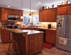 Check out this classic kitchen remodeled by our friends at Waunakee Remodeling. For over 35 years they have been helping    Wisconsin homeowners transform their homes into beautiful, unique spaces.