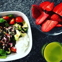 Super yummy lunch for me today. Avocado & Cottage Cheese Salad juicy strawberries & @innocent Invigorate Super Smoothie  #eatinghealthy #gettingbackontrack #cleaneating #findingmyselfagain