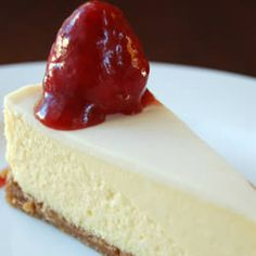 New York Cheesecake - seriously the best cheesecake recipe I've ever found! Brownie Desserts, Köstliche Desserts, Dessert Recipes, Coconut Dessert, Oreo Dessert, Best Cheesecake, Cheesecake Recipes, Plain Cheesecake, Homemade Cheesecake