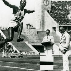 Iconic Olympic moments: Jesse Owens reigns supreme in Berlin - Swide Magazine 1936.