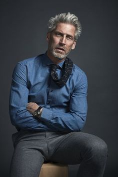 WARDROBE - SILVER & STYLISH Gentleman Mode, Gentleman Style, Handsome Older Men, Older Mens Fashion, Men's Business Outfits, Mode Man, Mens Attire, Men Formal, Mature Men