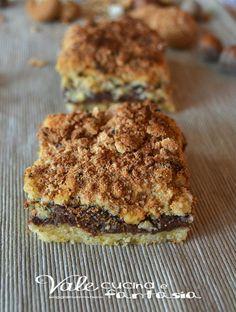 Sbriciolata con nutella e amaretti un dolce facile e veloce una ricetta facilissima e possiamo davvero spaziare con la fantasia
