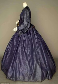 North America's auction house for Couture & Vintage Fashion. Augusta Auctions accepts consignments of historic clothing and textiles from museums, estates and individuals. Historical Clothing, Historical Dress, Vintage Gowns, Vintage Clothing, Civil War Fashion, Clothing And Textile, Victorian Women, Women's Clothes, Clothes For Women