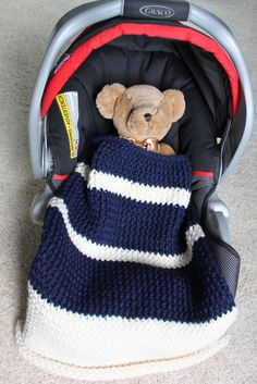 Car seat blanket made using Knifty knitter