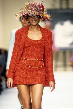 Chanel SS94 Fashion show detail & more