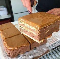 Arequipe e Chocolate – Melhor Chef Hungarian Recipes, Russian Recipes, Arabic Food, Ice Cream Recipes, No Bake Cake, Love Food, Sweet Recipes, Food To Make, Cake Decorating