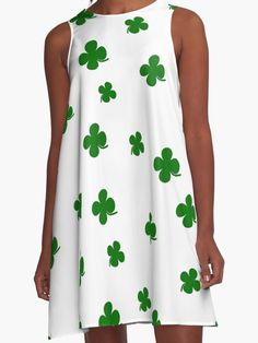 St. Patricks day clover pattern by Momcilo Bjekovic