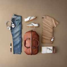 Creating the Men Minimalist Fashion Wardrobe Mens Fashion Blog, Look Fashion, Fashion Outfits, Fashion News, Outfit Grid, Wardrobe Systems, Casual Outfits, Men Casual, Cardigan Outfits