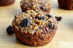 These protein packed, dairy-free Quinoa Raisin Muffin Bites have no refined sugar and are just 100 calories.