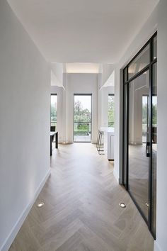 44 Modern Home Design Ideas With Two Floors To Try - The flooring can either accentuate or downgrade the beauty of a home. A poor choice of the type and design of flooring can conflict with the interior . Hallway Flooring, Wooden Flooring, Kitchen Flooring, Kitchen Walls, Parquet Flooring, Flooring Ideas, Kitchen Cabinets, Flur Design, Hall Design