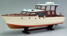Motor yacht model, battery-operated wooden kit-built model Boat Building, Model Building, Bateau Rc, Nautical Interior, Chris Craft, Cool Boats, Wooden Ship, Motor Yacht, Rc Model