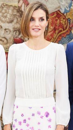 dcba772364316 158 Best Queen Letizia - Tops images in 2019