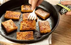 Gingery Garlicky Tempeh // #vegan #grilling #recipes (click through photo for recipe)