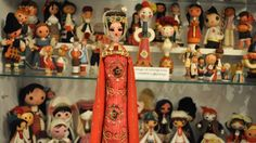 Back to the roots – Bulgarian folklore in a colourful exhibition - Culture