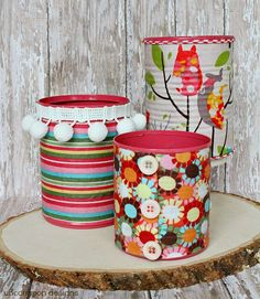 Fabric Covered Aluminum Can Organizers - A Little Craft In Your Day Mary&FabricCrafts. This awesome picture collections about Fabric Covered Aluminum Can Recycled Decor, Recycled Tin Cans, Recycled Crafts, Tin Can Crafts, Fun Crafts, Crafts For Kids, Aluminum Can Crafts, Decor Crafts, Painted Tin Cans