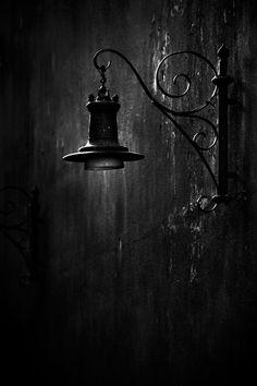 galeri8.uludagsozluk.com,  sokak lambasi. Dark Street Lamp