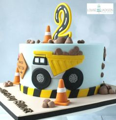 Diggers - cake by Louise Jackson Cake Design - CakesDecor - Elvi Digger Birthday Cake, Digger Birthday Parties, Digger Cake, Truck Birthday Cakes, 2nd Birthday, Digger Party, Birthday Ideas, Cat Fondant, Festa Monster Truck