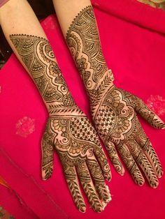 2015 Mehndi Maharani Finalist: Henna By Afshan http://www.maharaniweddings.com/gallery/photo/50974