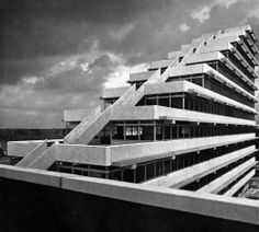prettygrrrlsmakegraves:  fuckyeahbrutalism:  Arag Administration Building, Düsseldorf, Germany, 1966 (Paul Schneider-Esleben)  the architect is the father of florian schneider, one of kraftwerk's founding members