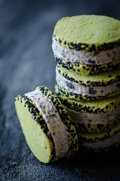 Ice cream sandwiches with black sesame no-churn ice cream and black sesame and green tea biscuits inspired by our wonderful trip to Arashiyama in Kyoto. Matcha Ice Cream, Green Tea Ice Cream, Black Sesame Ice Cream, Black Cream, Frozen Desserts, Frozen Treats, Tea Recipes, Dessert Recipes, Cocktail Recipes