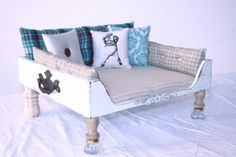 Imma make a bunk bed like this cx for my doggies :)))