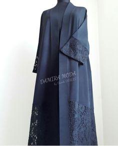 Abaya Muslim Women Fashion, Islamic Fashion, Muslim Dress, Hijab Dress, Kaftan Abaya, Kaftans, Bridal Mehndi Dresses, Modern Abaya, Dress Brokat