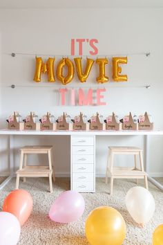 movie party decor, movie themed birthday party Check out this Princess Bride themed birthday for tips on how to create the perfect movie themed birthday party for your child or pre-teen! Birthday Party At Home, Sleepover Birthday Parties, Birthday Party Decorations, Teen Birthday, 14th Birthday Party Ideas, Teen Parties, Birthday Party Snacks, Home Parties, Themes For Birthday Parties