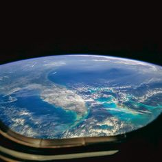 Florida seen from Space Shuttle Discovery Earth And Space, Macbook, Apple Iphone, Ipad, Twin Cities, Hd Wallpaper, Desktop Wallpapers, Airplane View, Bing Images