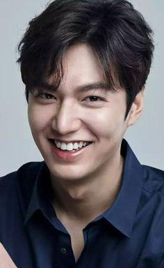 Handsome Lee Min Ho Boys Before Flowers, Boys Over Flowers, Asian Actors, Korean Actors, Drama Korea, Korean Drama, Lee Min Ho Smile, Dramas, Legend Of Blue Sea