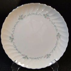 Find Syracuse China Replacement items and other Collectible and Vintage Dinnerware items Strawberry Hill, Syracuse China, Vintage Restaurant, Vintage Dinnerware, Tea Cup Set, Cupping Set, Salad Plates, Pie Dish, Dinner Plates