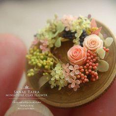 By Sanae Taira ♡ ♡ Polymer Clay Flowers, Fimo Clay, Polymer Clay Art, Handmade Polymer Clay, Minis, Pink Dollhouse, Mini Plants, Miniature Plants, Cute Clay