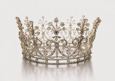 تيجان ملكية  امبراطورية فاخرة 813d5ccb066906b6e5d920e7b4ccbcfa