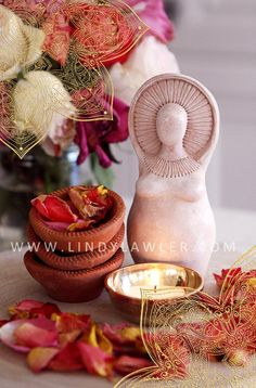 Sun Goddess - Fertility Goddess Statue Doula Midwife Gift Figurine Sculpture Pagan Buddhist Altar Birth Art Blessingway Womb blessing