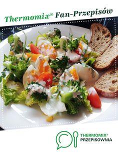 Sałatka z brokułami i jajkiem z dressingiem jogurtowym jest to przepis stworzony przez użytkownika basia_gdynia. Ten przepis na Thermomix® znajdziesz w kategorii Przystawki/Sałatki na www.przepisownia.pl, społeczności Thermomix®.