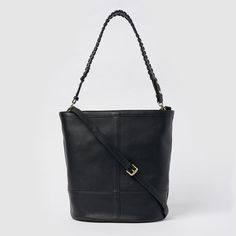 Wings by Urban Originals is a super spacious bucket bag with a zipper closure. It features two exchangable straps, a thin adjustable one and a shorter one with handcrafted woven details. This bag has a soft but structured shape and has plenty of pockets on the inside. Bucket Bag, Wings, Shoulder Bag, Zipper, The Originals, Urban, Closure, Pockets, Shape