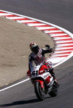 Noriyuki Haga on the Yamaha R7 Superbike.  This was when he was racing in the World Superbike series.