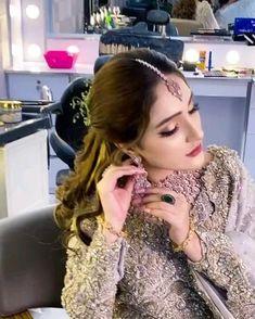 Bridal Jewellery Inspiration, Indian Bridal Jewelry Sets, Indian Bridal Fashion, Indian Fashion Dresses, Bridal Makeup Looks, Bride Makeup, Bridal Beauty, Bridal Looks, Pakistani Fancy Dresses