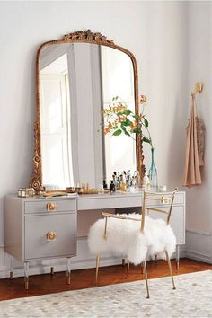 Best DIY Rustic Home Decor Ideas That You Can Quickly Create . Best DIY Rustic home decor ideas that you could quickly create , Best DIY Rustic Home Decor Ideas That Yo. Retro Home Decor, Diy Home Decor, Gold Home Decor, Luxury Home Decor, Retro Apartment, Cute Dorm Rooms, Home And Deco, Living Room Designs, Bedroom Decor