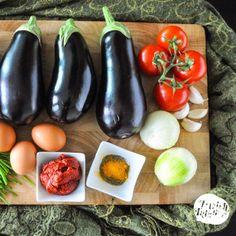 Mirza Ghasemi, a vegetarian (Northern Iranian) eggplant dish. Persian Eggplant Recipe, Eggplant Dishes, Eggplant Recipes, Arabic Dessert, Arabic Food, Arabic Sweets, Vegetarian Recipes, Cooking Recipes, Vegetarian Times